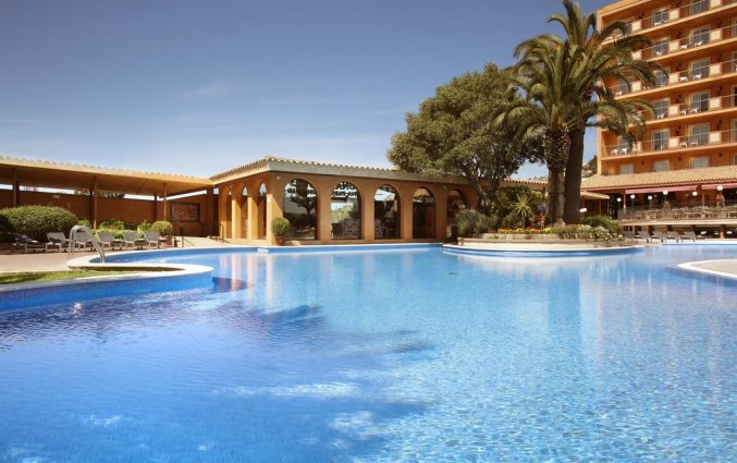 Zwembad van Luna Club Hotel & Spa aan de Costa Brava