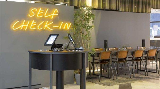 Self check-in van Comfort hotel Xpres Stockholm Central