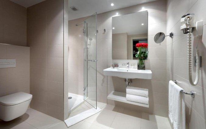 Badkamer in de tweepersoonskamer van Hotel Barcelo Bilbao Nervion