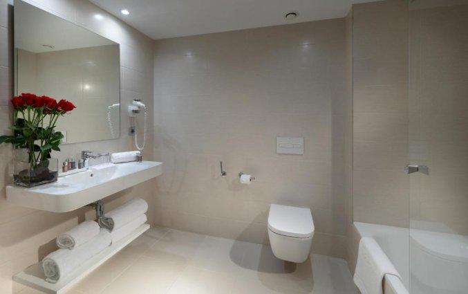 Badkamer van een familiekamer van Hotel Barcelo Bilbao Nervion