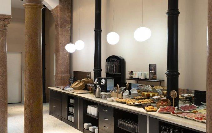 Ontbijtbuffet van hotel Petit Palace Plaza Malaga