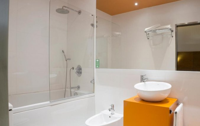 Badkamer in de kamers van hotel Petit Palace Plaza Malaga