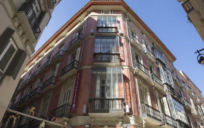 Buitenkant van hotel Petit Palace Plaza Malaga