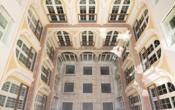 Binnentuin van hotel Petit Palace Plaza Malaga