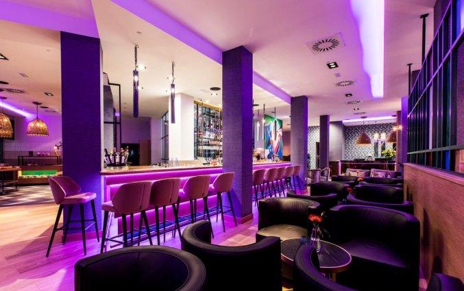 Bar van NYX Hotel Bilbao by Leonardo Hotels