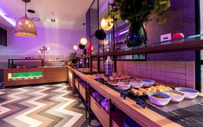 Ontbijtbuffet van NYX Hotel Bilbao by Leonardo Hotels