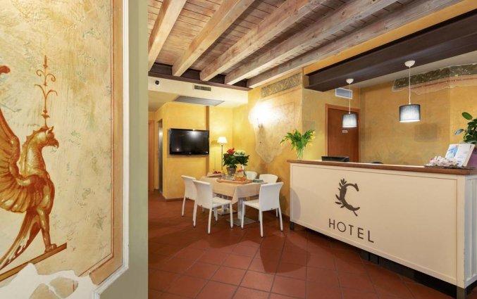 Receptie van hotel Marco Polo Verona