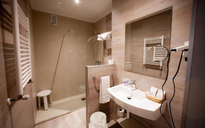 Badkamer van Hotel Sirimiri in Bilbao