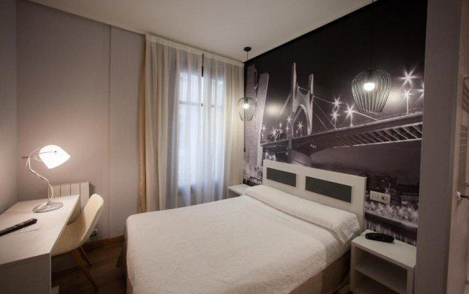 Tweepersoonskamer van Hotel Sirimiri in Bilbao