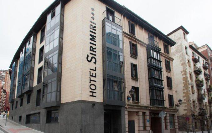 Gebouw van Hotel Sirimiri in Bilbao