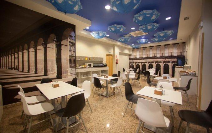 Ontbijtzaal van Hotel Sirimiri in Bilbao
