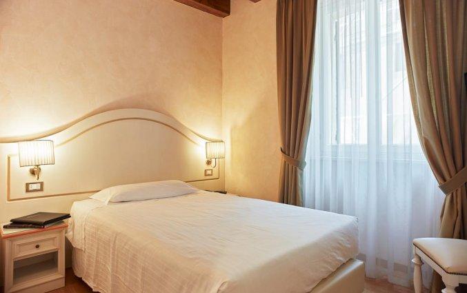 Tweepersoonskamer van hotel Albergo Mazzanti Verona