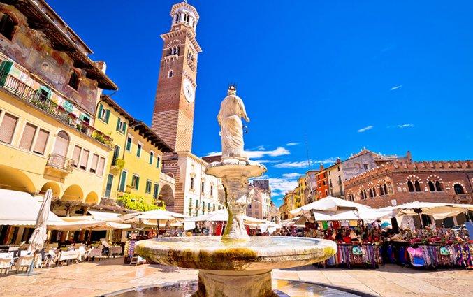 Verona - - - Piazza - delle - Erbe