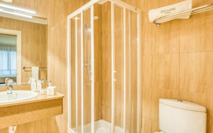 Badkamer van een tweepersoonskamer van Hotel Sercotel Arenal in Bilbao