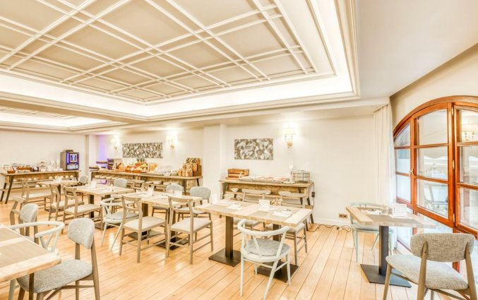 Ontbijtzaal van Hotel Sercotel Arenal in Bilbao
