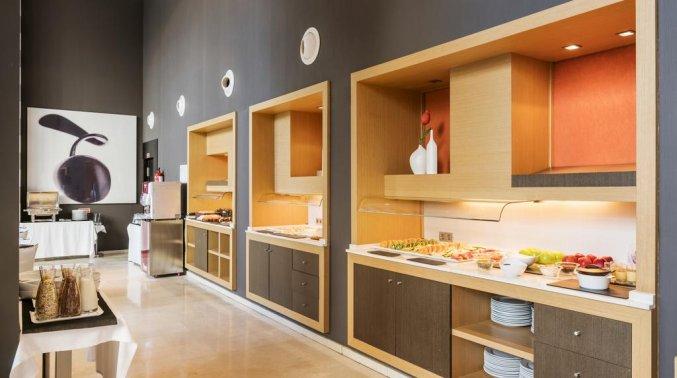 Ontbijtbuffet van Hotel Ilunion Aqua 3 in Valencia