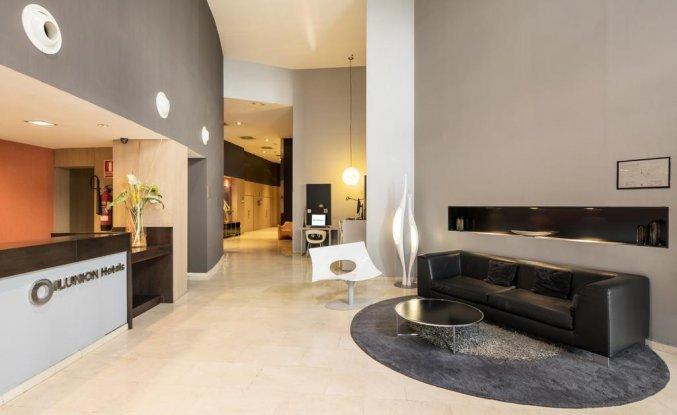 Lobby en receptie van Hotel Ilunion Aqua 3 in Valencia