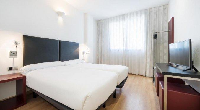 Tweepersoonskamer met twee losse bedden van Hotel Ilunion Aqua 3 in Valencia