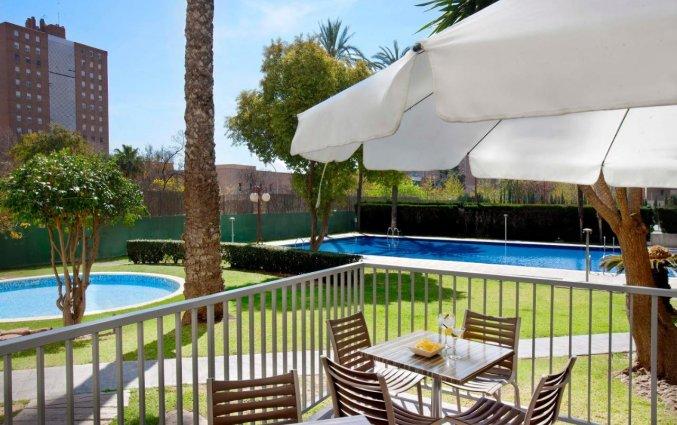 terras bij Hotel Medium Valencia