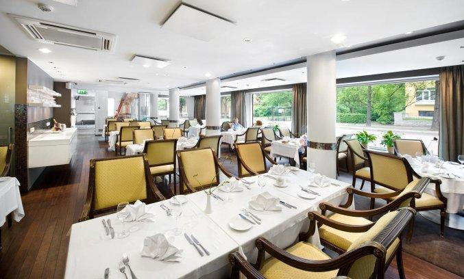 Restaurant van Hotel L'Ermitage Tallinn