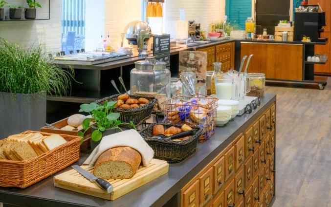 Ontbijtbuffet van het Amsterdam Tropen Hotel