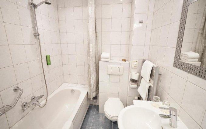Badkamer van een tweepersoonskamer van Hotel van Walsum in Rotterdam