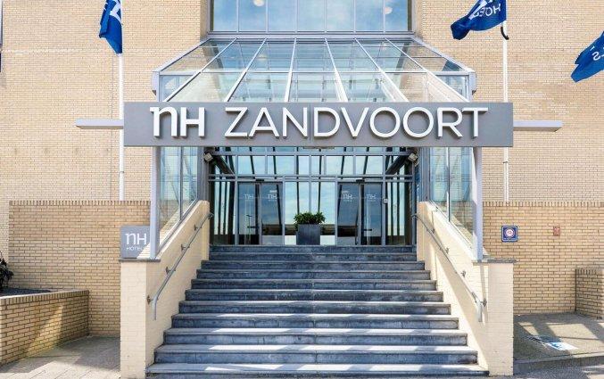 Entree van Hotel NH Zandvoort aan de Nederlandse Kust