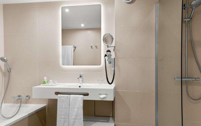 Badkamer in een kamer van Hotel NH Zandvoort aan de Nederlandse Kust