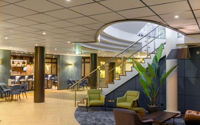 lobby van Hotel DoubleTree by Hilton Royal Parc Soestduinen op de Utrechtse Heuvelrug