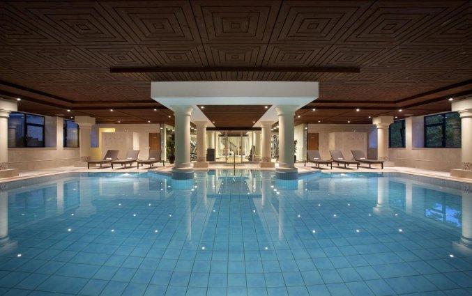 Zwembad van Hotel DoubleTree by Hilton Royal Parc Soestduinen op de Utrechtse Heuvelrug
