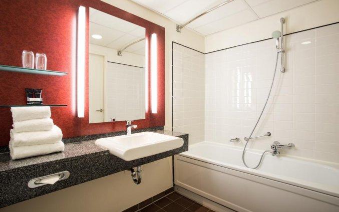 Badkamer van een tweepersoonskamer van Hotel Bilderberg Europa Scheveningen aan de Nederlandse Kust
