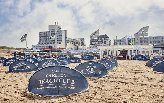 Het strand bij Carlton Beach Scheveningen aan de Nederlandse Kust