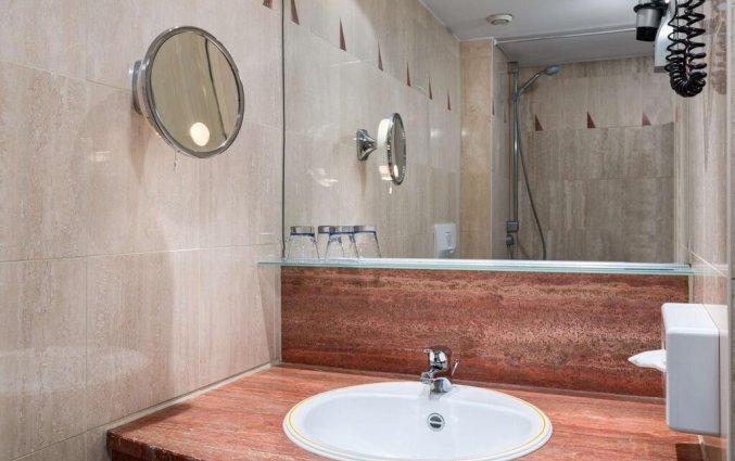 Badkamer van een tweepersoonskamer in Hotel NH Sint Pieters Gent