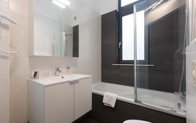 Badkamer in een tweepersoonskamer in Hotel Gravensteen Gent
