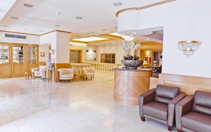 Lobby en receptie van Hotel Le Chatelain Brussel