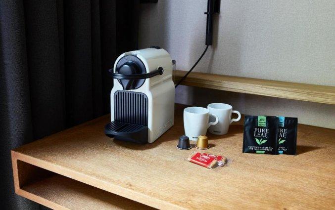 Koffie- & theefaciliteiten in een tweepersoonskamer in Hotel Indigo in Antwerpen