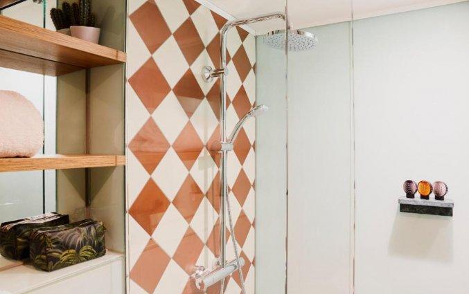 Badkamer van een tweepersoonskamer in Hotel Indigo in Antwerpen