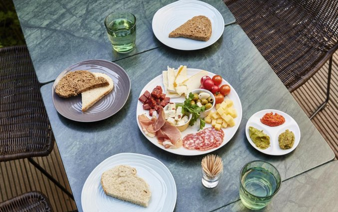 Eten op het terras van Hotel Indigo in Antwerpen