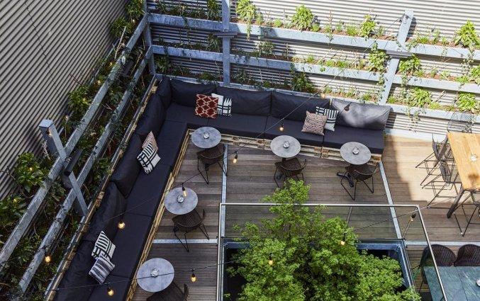 Terras van Hotel Indigo in Antwerpen