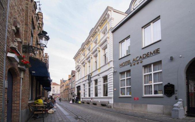 Vooraanzicht van Hotel Academie Brugge