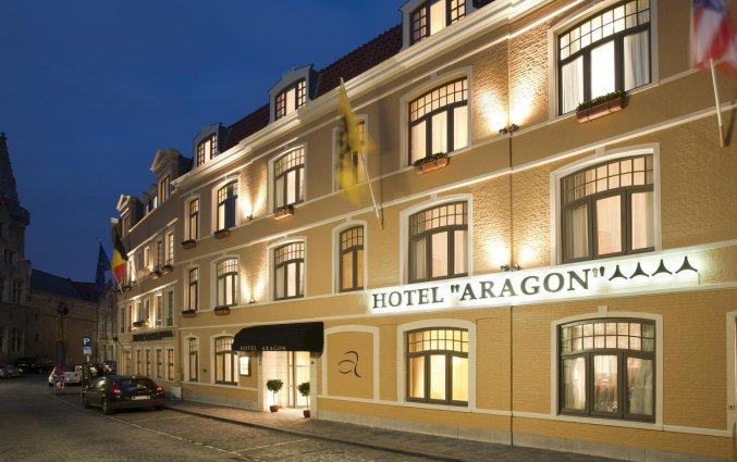 Buitenaanzicht van Hotel Aragon in Brugge