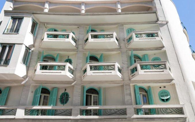 Buitenaanzicht van Hotel Locarno Nice