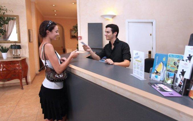 Receptie van hotel Trocadero Nice