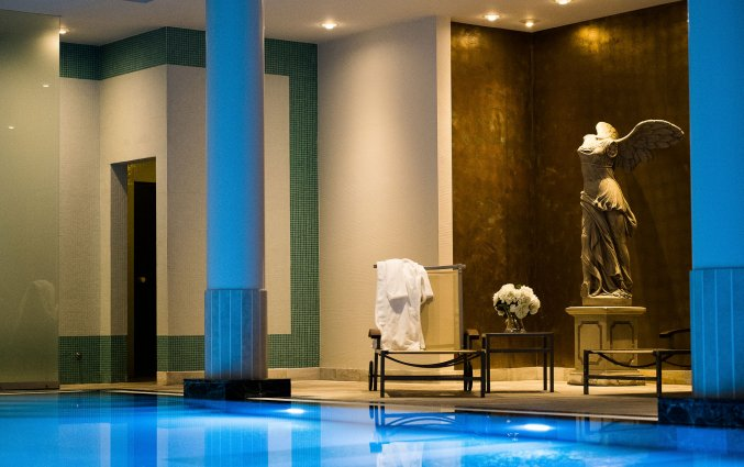 Binnenzwembad van Hotel Hylli Antwerpen