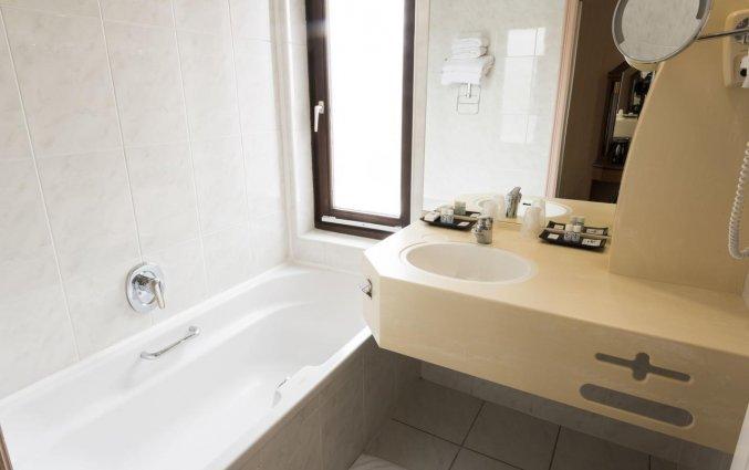 Badkamer van een tweepersoonskamer van Hotel Bero aan de Belgische Kust
