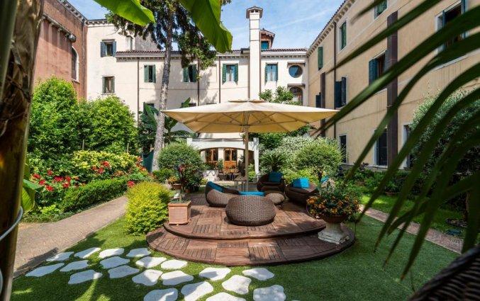 Binnentuin bij Hotel Abbazia
