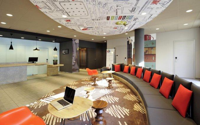 Lobby van Hotel ibis De Panne aan de Belgische Kust
