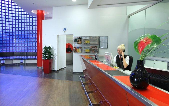 Receptie van Hotel Lindner Dom Residence in Keulen