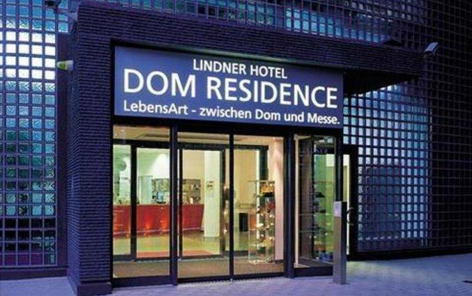 Entree van Hotel Lindner Dom Residence in Keulen