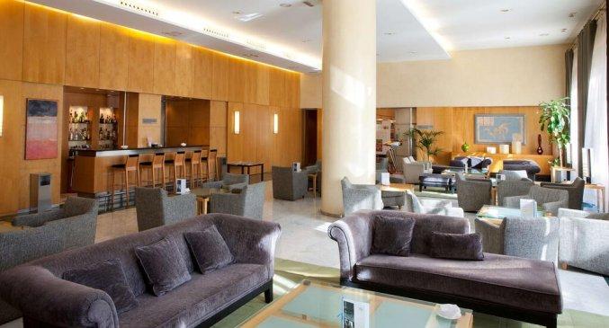 Lobby van Hotel NH Malaga in Malaga